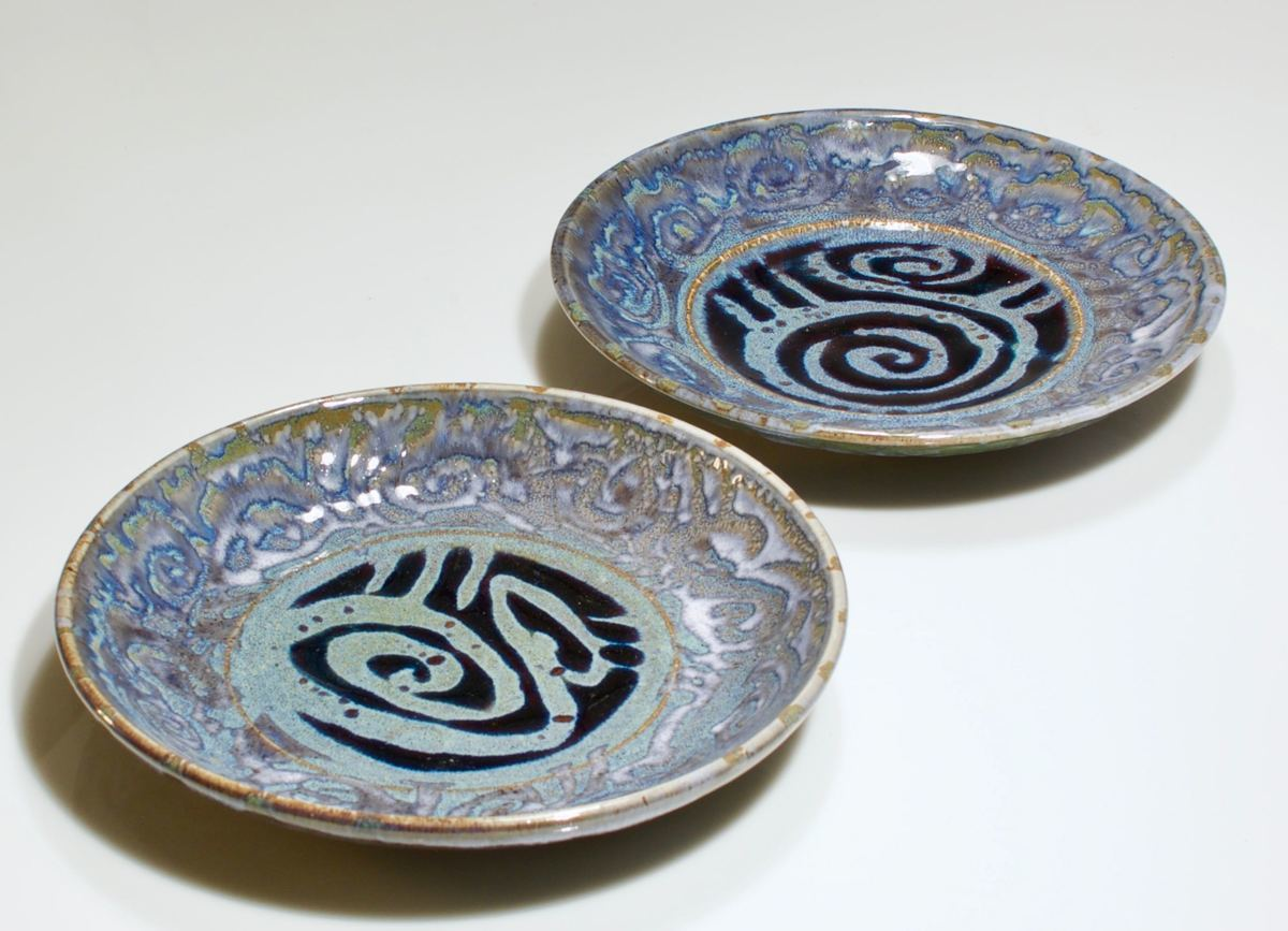 curly blue plates (large view)