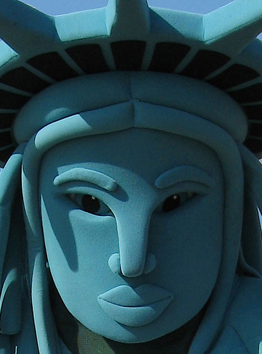 STREET CORNER STATUE OF LIBERTY  (large view)