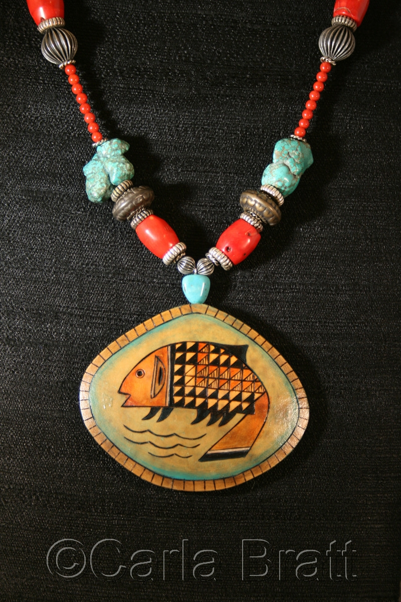 Fish Totem Gourd Shard Necklace (large view)