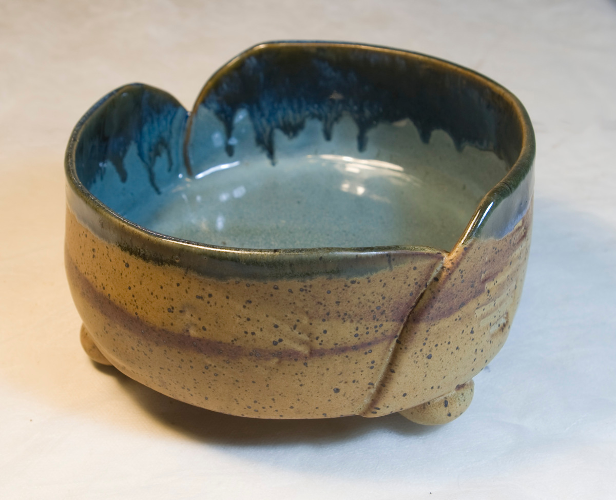 Large Bowl With Feet (large view)