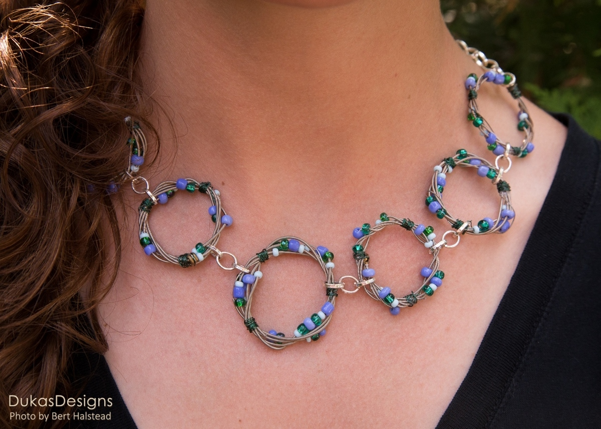Blue & Green Seed Beads Circle Necklace (large view)