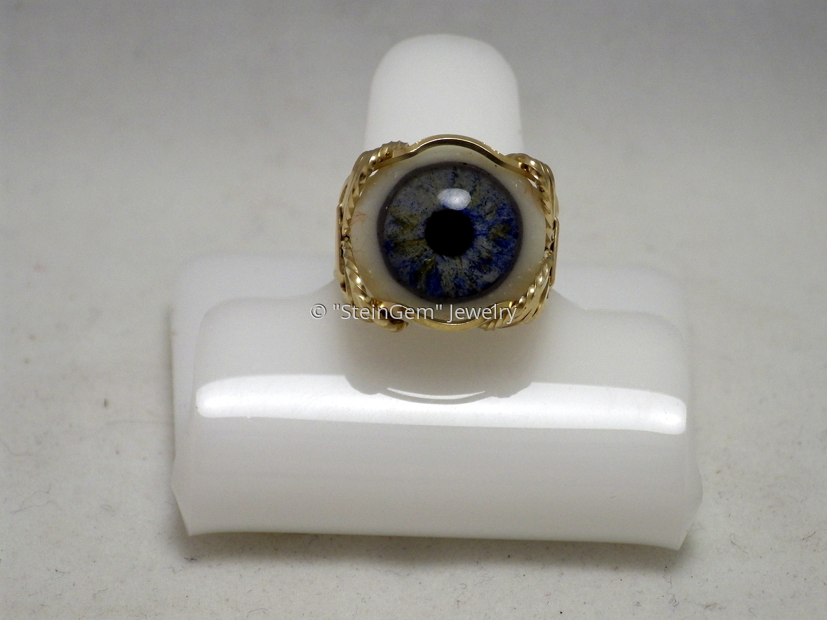 Blue Glass Eye Ring (large view)