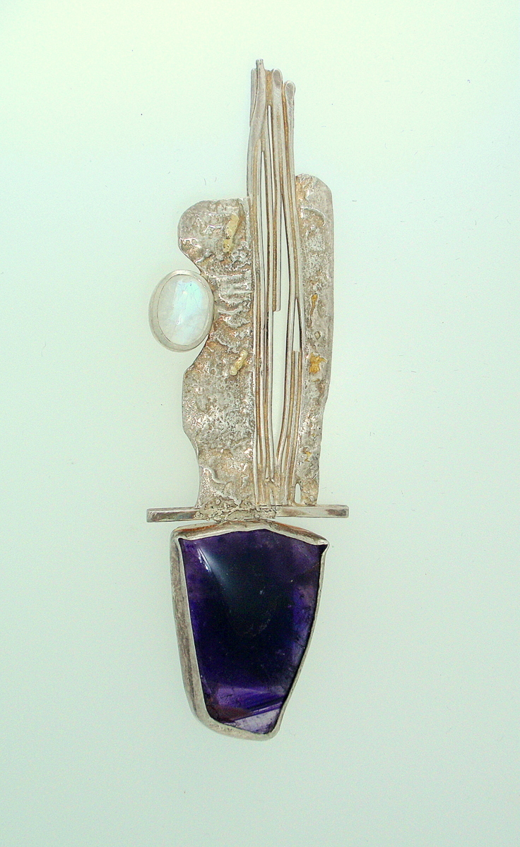 MP-25 Amethyst Moonstone Silver    Brooch (large view)