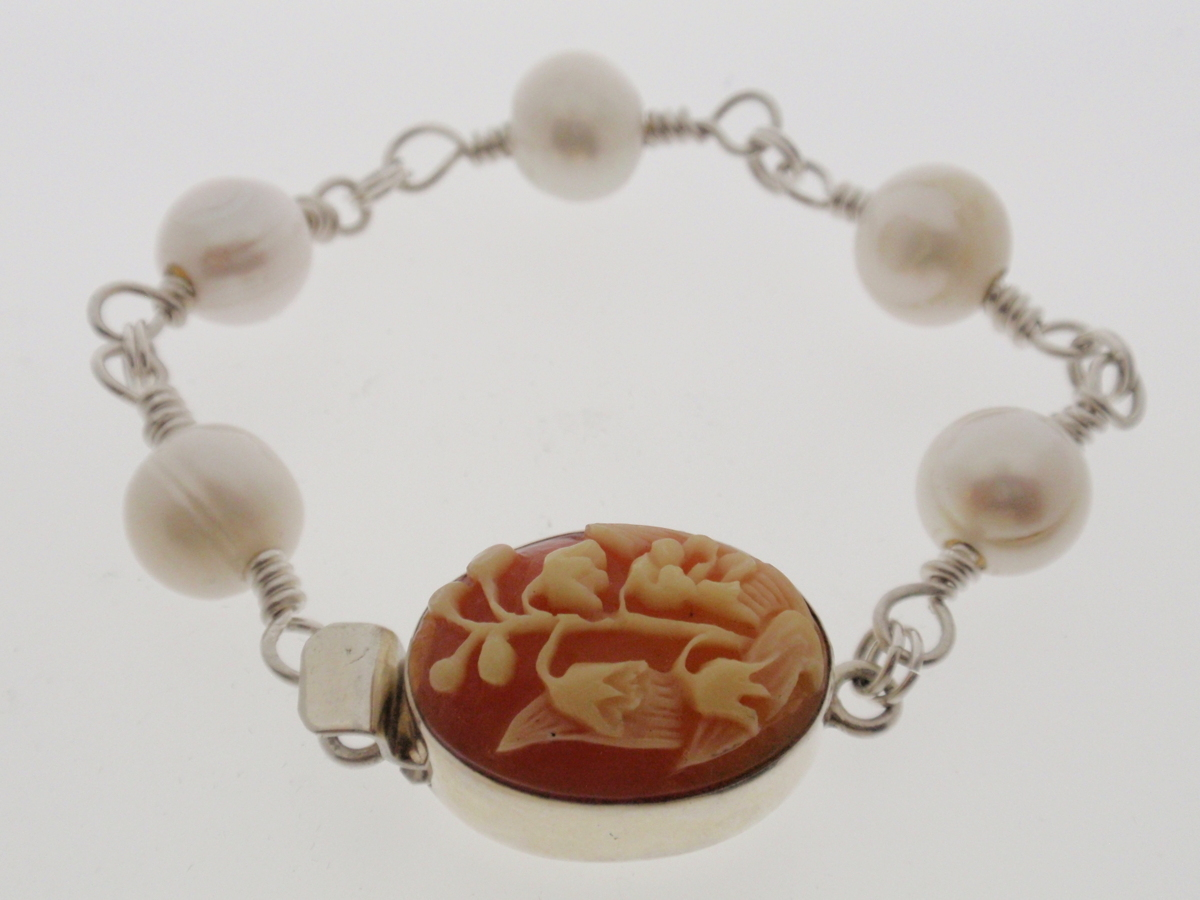 """BR-42 Bracelet, Silver and Cameo Clasp, 8"""" (large view)"""